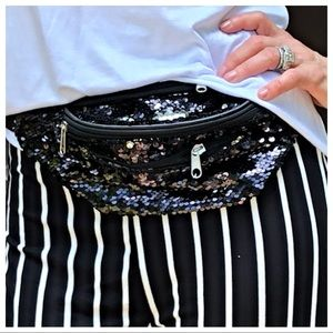 Handbags - ✨Hottest style✨ Sequin fanny pack